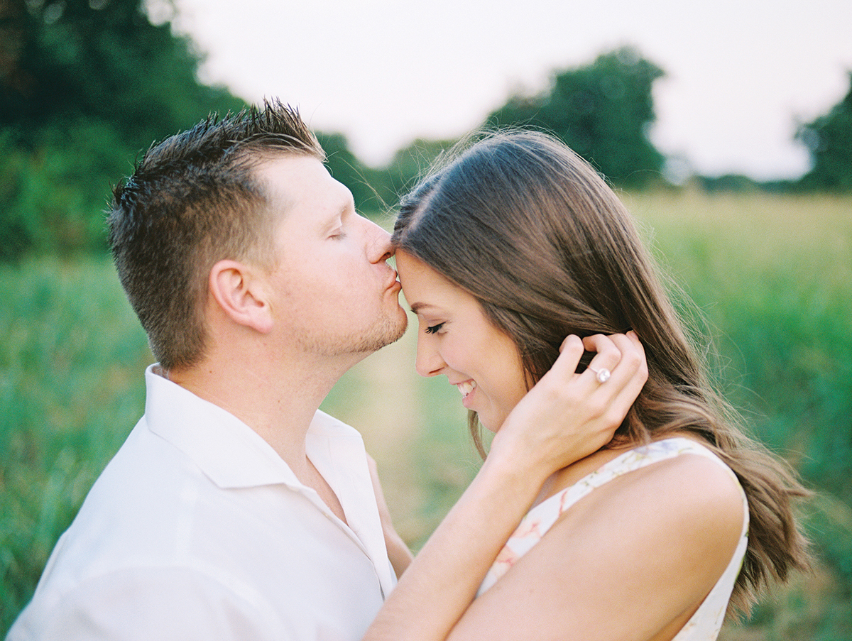 outdoor_romantic_engagements_allen_tsai_dallas_film_wedding_photographer.jpg