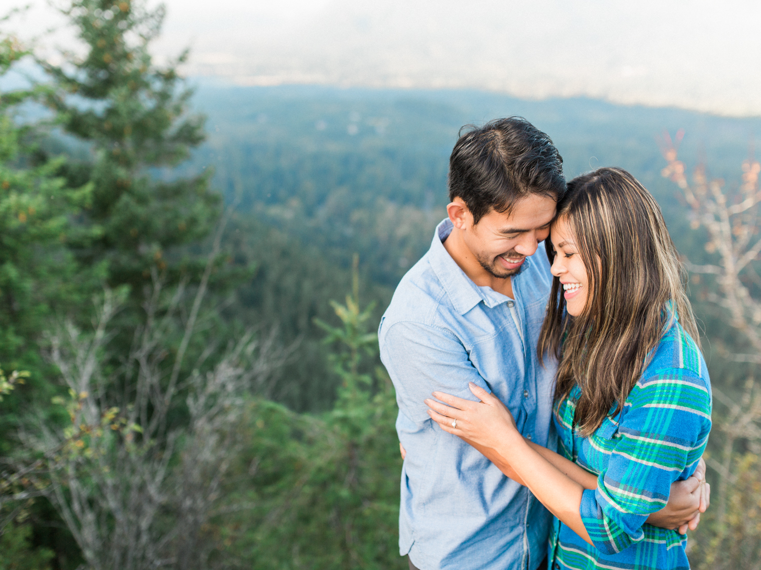 Seattle_Rattlesnake_Ledge_Dallas_destination_engagement_session.jpg