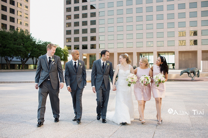 williams_square_dallas_wedding_photographer_melanie_michael