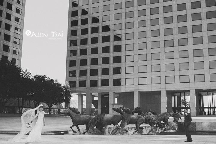 williams_square_dallas_wedding_photographer_melanie_michael